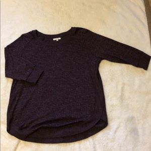 Quarter length maroon Maurices top